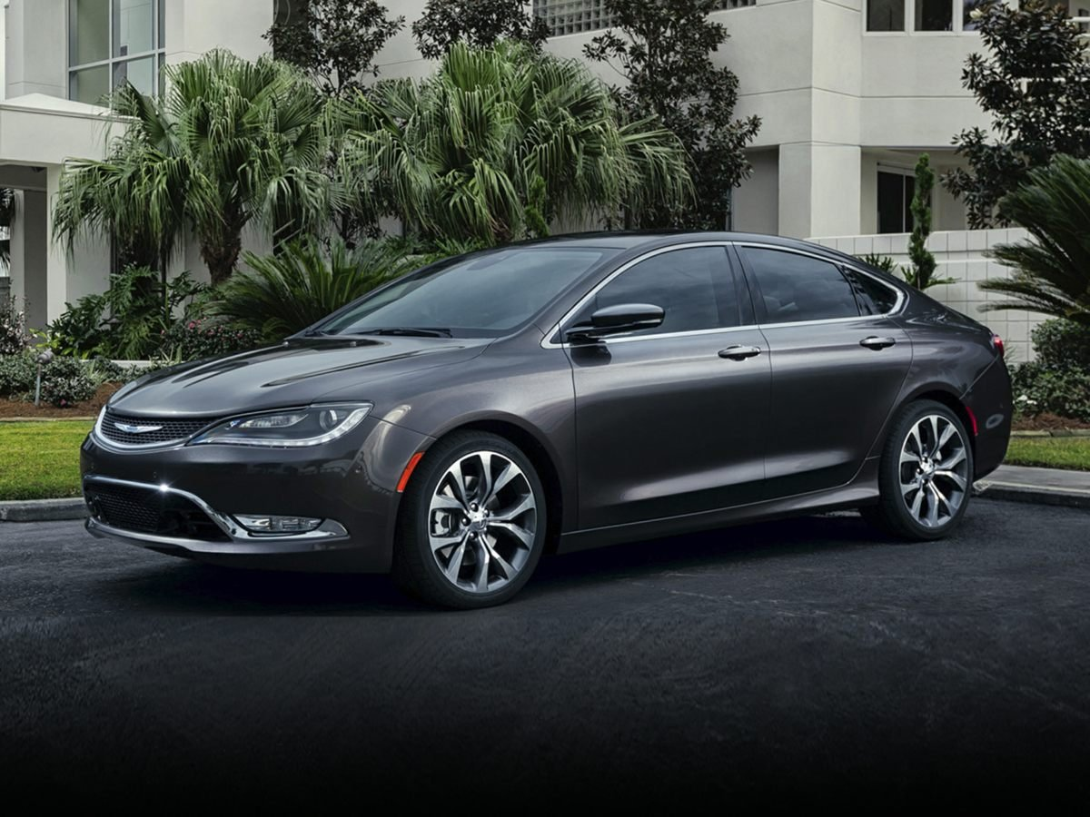 Chrysler 200 Limited >> Certified Pre Owned 2016 Chrysler 200 Limited Fwd 4dr Car