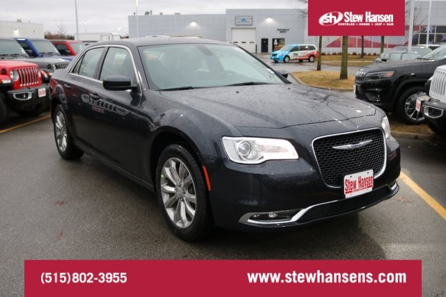 New 2019 Chrysler 300 Touring Sedan In Urbandale 9m0080 Stew